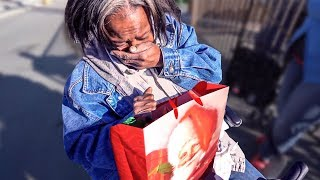 🎁 CHRISTMAS GIFTS FOR THE HOMELESS