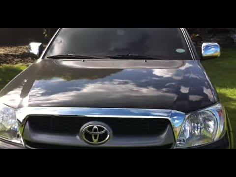 2011-Toyota-Hilux-Review-Start-Up-In-Depth-Tour-Engine-Exhaust