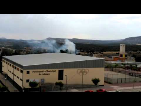 La humareda por el fuego en Camaretas.