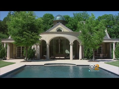 Living Large: Greenwich Mansion