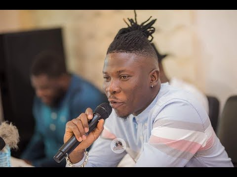Video: Stonebwoy laments bitterly about free downloads