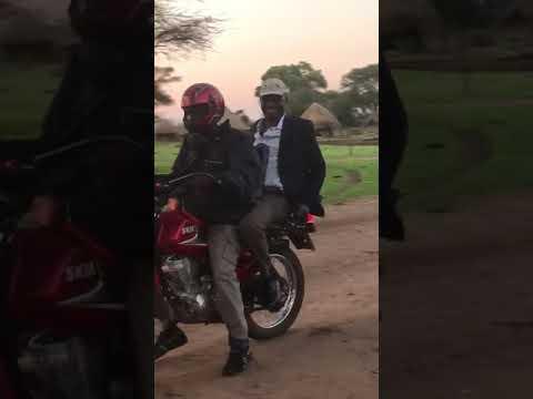 Video emerges showing Jonathan Moyo fleeing Zimbabwe on a motorbike into Mozambique