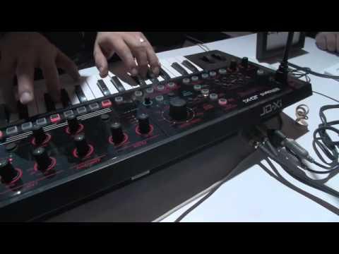 ROLAND JD-Xi Hybridní syntezátor