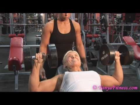 Female Muscle - Tanya & Martha's Hot Gym Workout