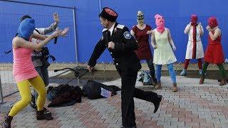 סרטון מזעזע ומחריד: שוטרים שוביניסטים תוקפים מפגינות פמיניסטיות ברוסיה