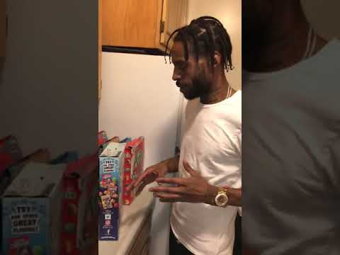Dude Shows Us How To Properly Close Cereal Boxes