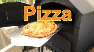 Pizza aus dem Pizzaofen