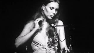 Joni Mitchell - You Turn Me On, I'm A Radio (Live 1972)