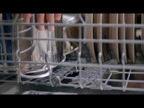 NEXT LEVEL CLEANING: CHEF CURTIS STONE EXPERIENCES THE BOSCH DISHWASHER