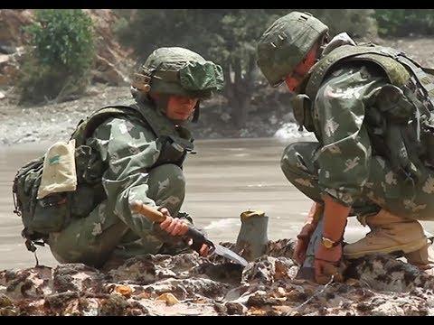 Российские военные с помощью минометов, очистили русло реки в Таджикистане