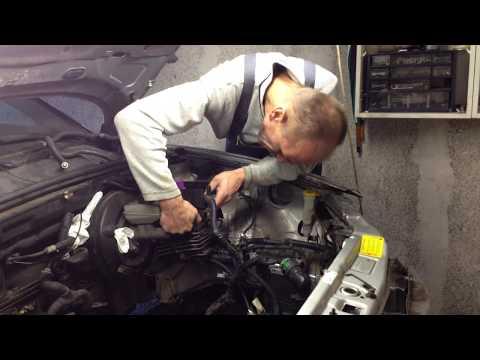 Klimaanlage/Scheinwerfer ausbauen/Kabelbaum in Motorraum entwirren/Projekt Vectra
