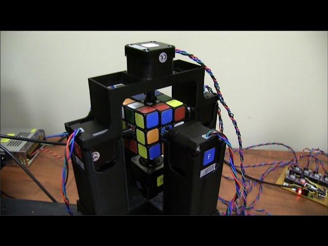 Робот установил мировой рекорд, собрав кубик Рубика за 1,047 секунды