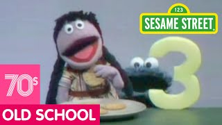Sesame Street: Cookie Monster Eats Galletitas