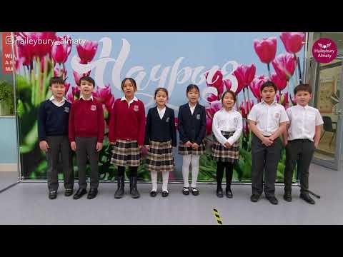 """Ученики 4 класса исполняют песню  """"Biz zhetkinshek balamyz"""""""