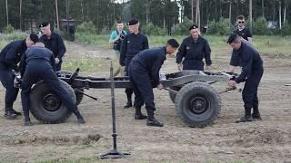 Рембригада военных разбирает и собирает УАЗ за 6 минут
