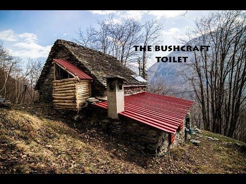 Vivere nel bosco: come costruire una cabina bagno con attrezzi manuali (parte 2)