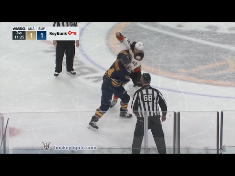 Jared Boll vs Nicolas Deslauriers