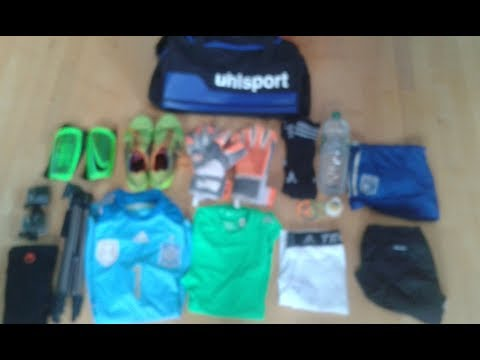 What's in my goalkeeper bag for training? I KeeperTV