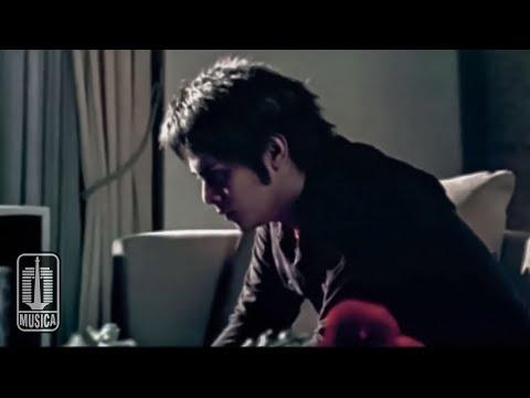 D'MASIV - Cinta Ini Membunuhku (Official Music Video)