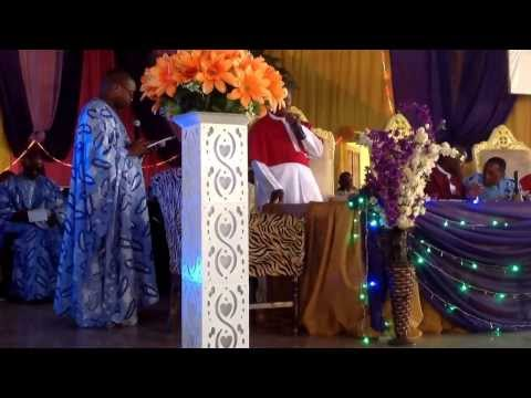 CCC of God int'l: Chorus and Praise time by ABA & BENIN MASS CHOIR Wonderful. Listen to the end