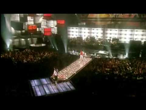 Queen + Paul Rodgers - We Will Rock You/We Are The Champions (VH1 Rock Honors)