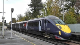 preview picture of video 'Trains at Chislehurst 15/11/14'