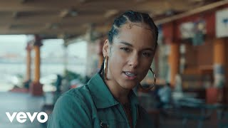"""Alicia Keys - """"Underdog"""" out now: https://smarturl.it/xUnderdog  Subscribe to Alicia Keys on YouTube: https://www.youtube.com/user/aliciakeys  Director: Wendy Morgan Production Company: Scheme Engine LLC Producers: Jannie McInnes, Sheira Rees-Davies, Eli Raskin, James Bailey, Camille Yorrick, Michelle Larkin  Lyrics: VERSE 1 She was walking in the street Looked up and noticed He was nameless He was homeless She asked him his name and Told him what hers was He gave her a story About life With a glint in his eye And a corner of a smile One conversation A simple moment The things that change us If we notice When we look up sometimes  B SECTION They said I would never make it But I was built to break the mold The only dream that I been chasing Is my own  HOOK So I sing a song for the hustlers Trading at the bus stop Single mothers  Waiting on a check to come Young teachers Student doctors Sons on the front line Knowing they don't get to run This goes out to the Underdog Keep on keeping at what you love You'll find that someday soon enough You will rise up rise up yeah  VERSE 2 She's riding in a taxi Back to the kitchen Talking to the driver 'Bout his wife and his  Children On the run from a country Where they put you in  Prison For being a woman And speaking your mind She looked in his eyes In the mirror and he smiled One conversation A single moment The things that change us If we notice  When we look up  Sometimes  B SECTION They said I would never make it But I was built to break the mold The only dream that I been chasing Is my own  HOOK So I sing a song for the hustlers Trading at the bus stop Single mothers  Waiting on a check to come Young teachers Student doctors Sons on the front line Knowing they don't get to run This goes out to the Underdog Keep on keeping at what you love You'll find that someday soon enough You will rise up rise up yeah  BREAK Everybody Rise Up You better Rise Up  HOOK So I sing a song for the hustlers Trading at the bus stop Single mother"""