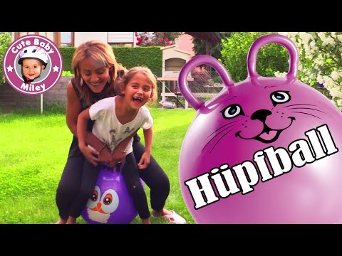 LUSTIGE HÜPFBALL CHALLENGE | Wir hüpfen um die Wette!  | Funny Bounce Ball | CuteBabyMiley