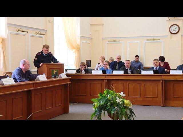 Депутаты спросили с правоохранителей