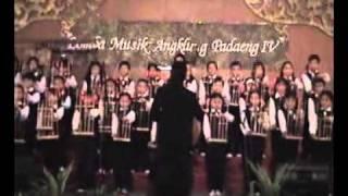Guru_Isola Angklung Squad