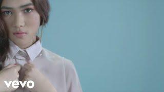 Isyana Sarasvati - Keep Being You (Video Clip)