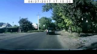 Девочка прыгнула под колеса Солярис в Таганроге 27.06.2017