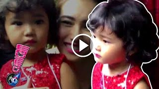 Pakai Gaun Merah Lipstik Bilqis Menor  Cumicam 21 November 2016
