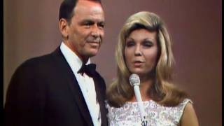 Frank Sinatra - Put Your Dreams Away (Live)