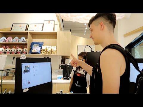Tässä kiinalaisessa kaupassa voit maksaa näyttämällä peukkua kassalla