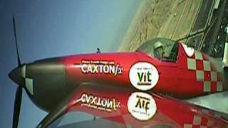 preview picture of video 'Sakhir, Bahrain air show 2010 - Extra 330SC'