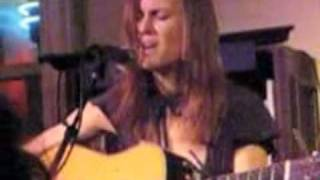 """Juliana Hatfield """"I Picked You Up"""" Live (Sans 1st Verse)"""