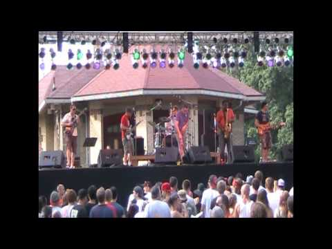 If You Want Me To Stay - New Pollution - Comfest.wmv