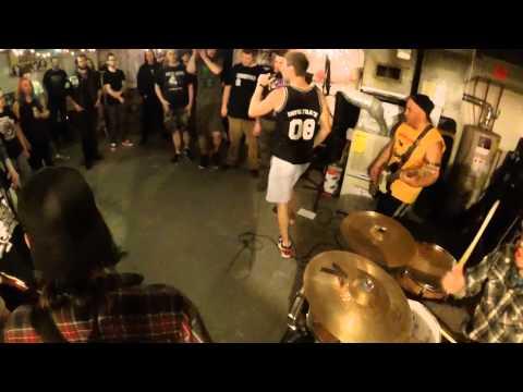 Triple Crossed - Earth Crisis/Bad Religion medley (live)