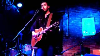 They're On to Me by Ari Hest at the Evening Muse 05-04-2012