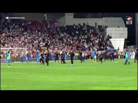 شيكابالا يغني «الثالثة يمين» مع جماهير الزمالك عقب الفوز على الأهلي في السوبر