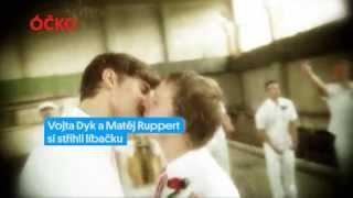Vojta Dyk a Matěj Ruppert si střihli líbačku!