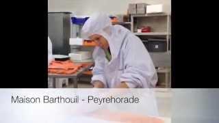 preview picture of video 'Tranchage à la main du saumon fumé  - Maison Barthouil - Peyrehorade'