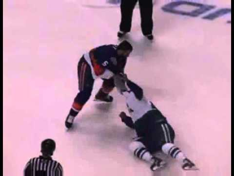 Jordan Owens vs. Blair Riley