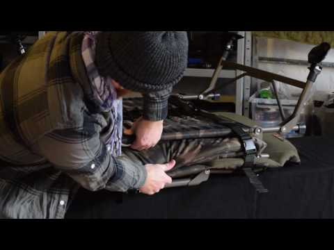 Carpzilla Unboxing von Karpfenliege: FoxR1 Compact Camo BedChair