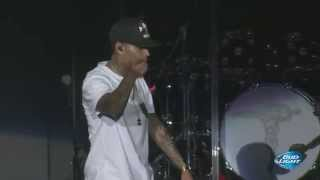 "Chris Brown performing ""New Flame"" at Cali Christmas Festival 