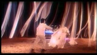 Bechain Kar Diya (Full Song) Film - Aaja Meri Jaan - YouTube