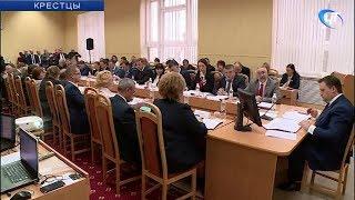 В Крестцах прошло выездное заседание Правительства Новгородской области