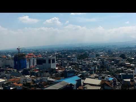 Pemandangan Kota Bandung dari Menara Mesjid Agung Bandung