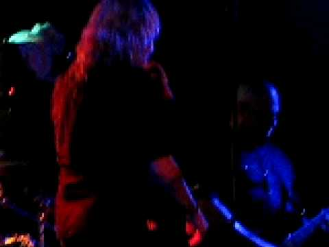 Otep - Breed (Nirvana Cover) Live in Chile 30 01 09